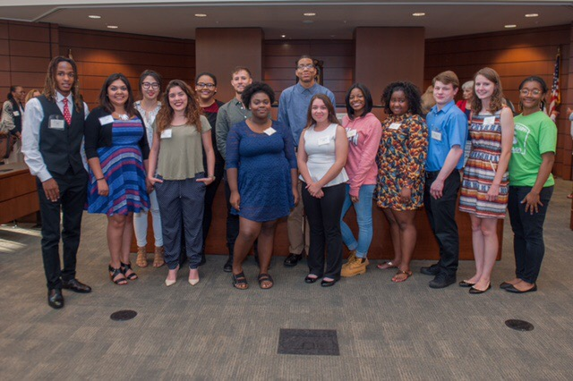 Scholarships For College Students 2016 >> Cch Presents Its 2016 College Scholarship Winners Chicago